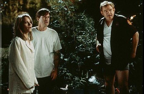 Bridgette Fonda, Bill Pullman and Brendan Gleeson in 'Lake Placid'